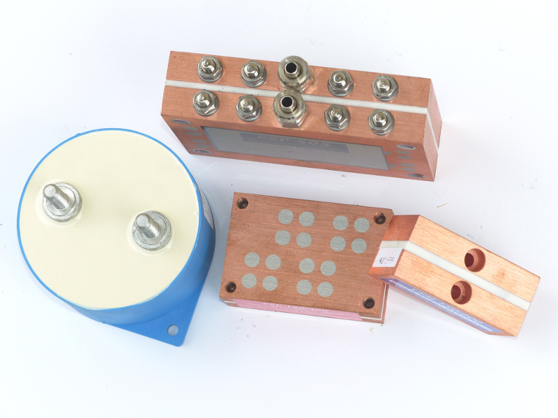 02 Capacitors
